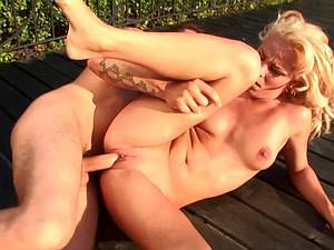 Blonde Sunny fucked in ass in bright daylight