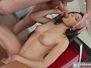 Czech goddess gets a load blown in her shaved vag