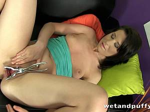 Freaky brunette masturbates with her favorite tools