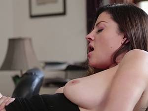 Teacher Sovereign Syre has lesbian sex with her pupil